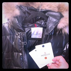 """Brand new Moncler """"Lucie"""" woman's long puffer coat"""